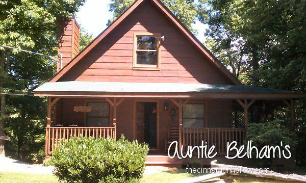 """Country Charm"" Auntie Belham's Cabin Rentals"