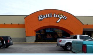Bored And Hungry? Visit Gattitown For Fun And Great Pizza!