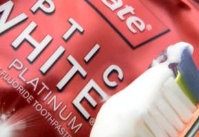 Colgate Optic White PLATINUM Express White Toothpaste