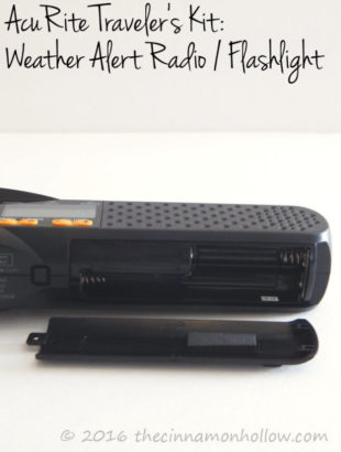 acurite-weather-radio-flashlight-battery-compartment