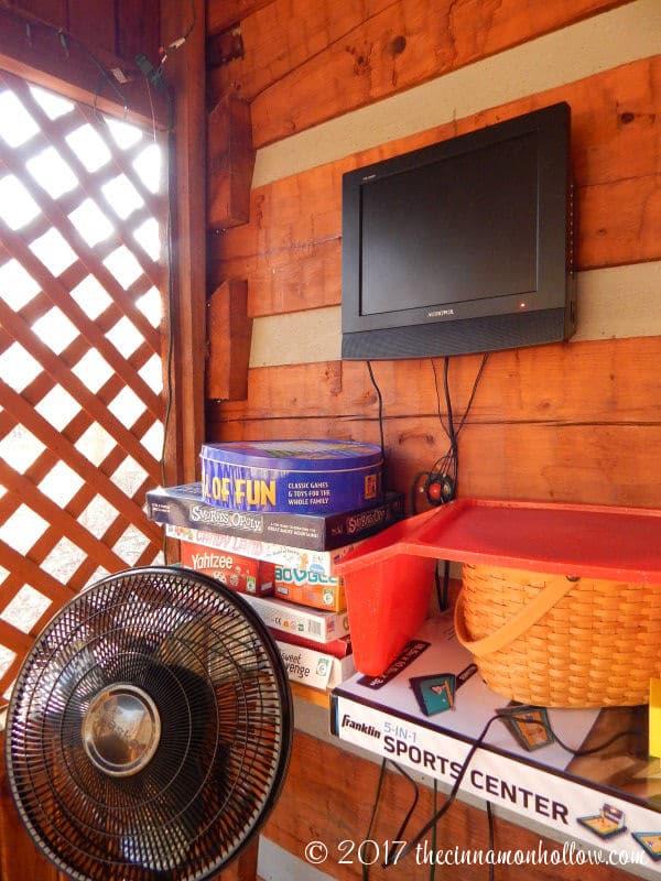 Hapey Memories Cabin Deck TV And Games