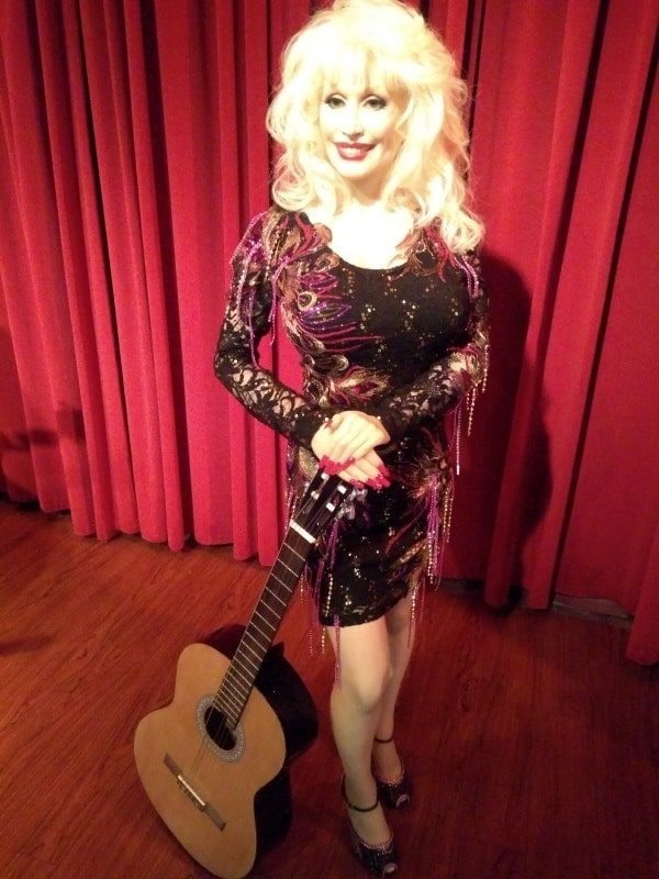 Dolly Parton - Hollywood Wax Museum - Castle Of Chaos