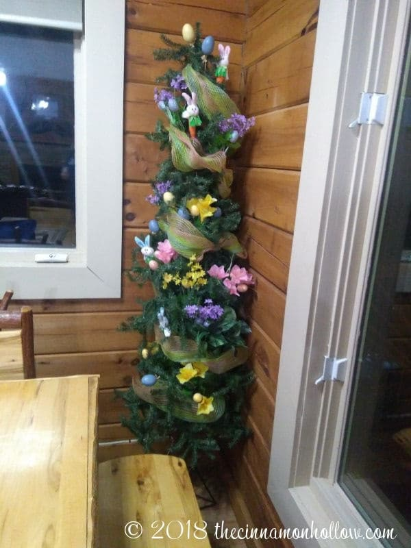 The Summit Cabin Decorations
