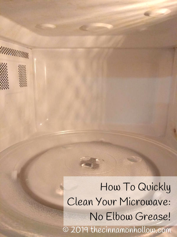 How to quickly clean your microwave with white vinegar