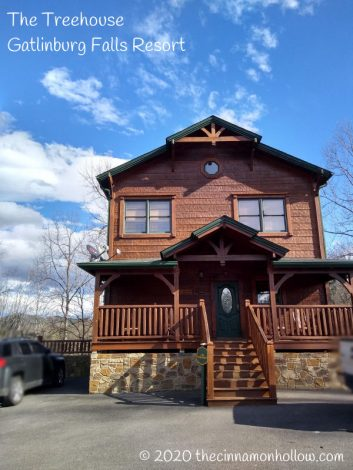 The Treehouse Gatlinburg Falls Resort